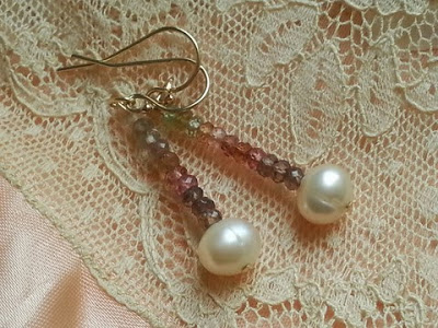 "tundra_garnet_and_fresh_water_pearl_godl_filled_earings_large Joies: una necessitat? - Obra de Mariona G. Camí ""Marundona"""