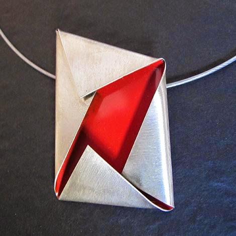 IMG_1455_penjoll_plec_vermell_bis Patricia Pla - dissenyadora de joies