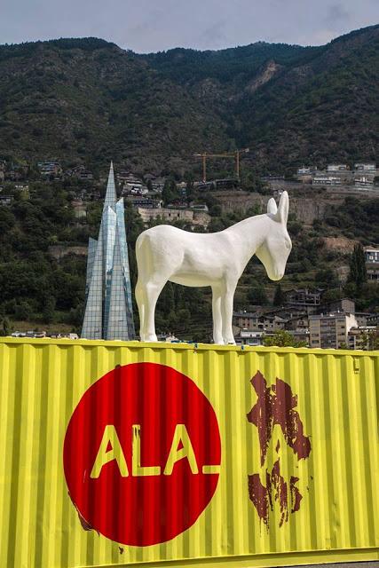 """artxtu-demo3 """"Land Art Andorra 2015"""" - On Art i Natura es donen la mà"""