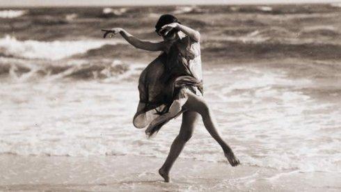 artxtu-isadoraduncan-mar Isadora Duncan - L'expressió de la llibertat