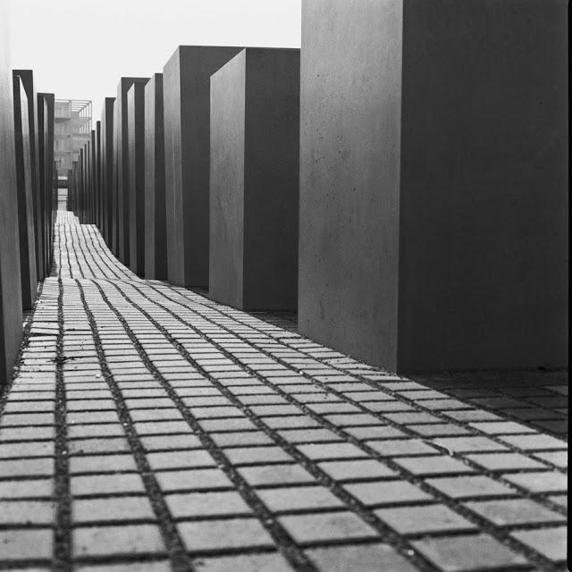 artxtu-sanz-arquitecturaberlin Cicle de fotografia (II): Manel Sanz, la textura del temps