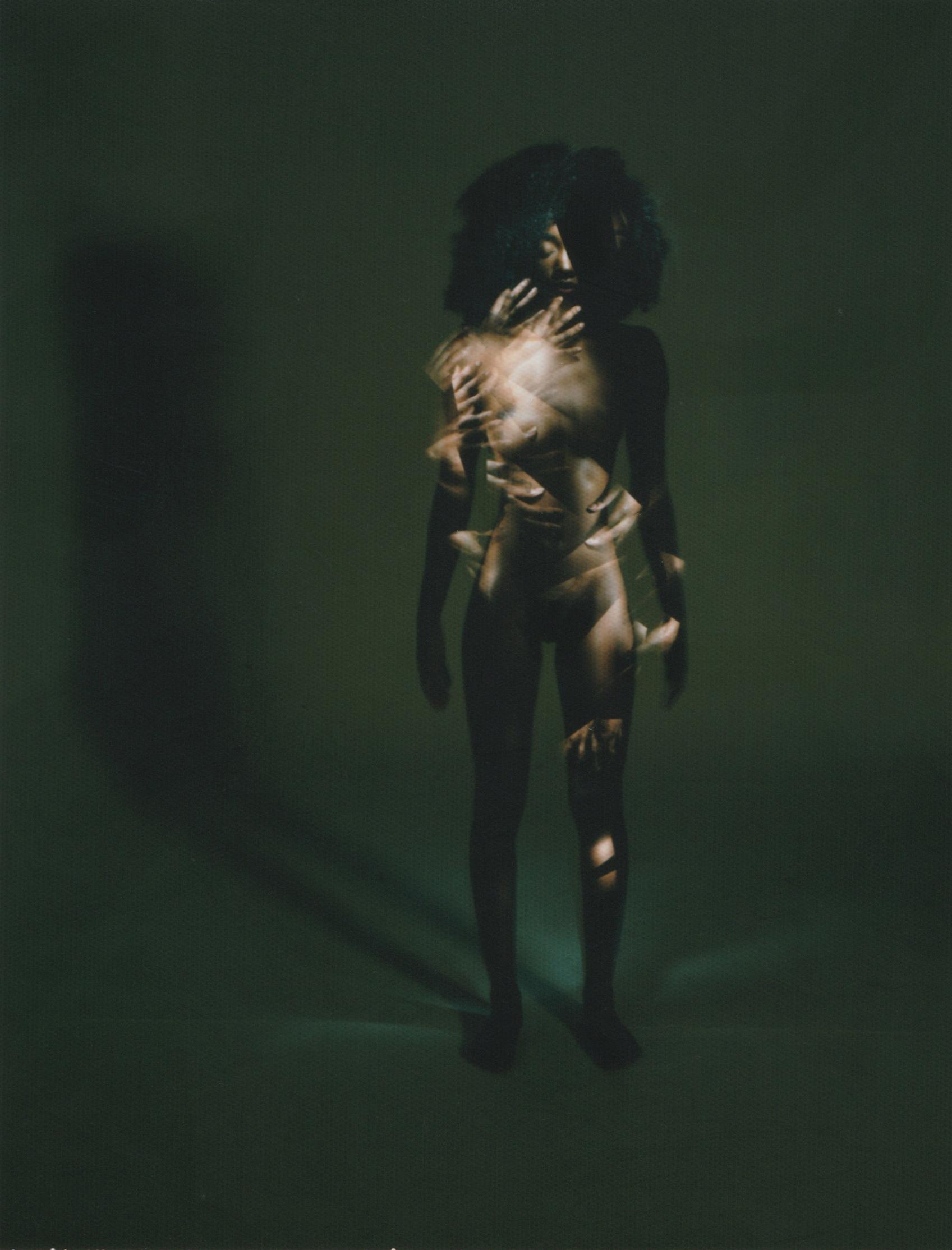 SERIE.Deconstructivismes-POLAROID_sense-titol4_fotografia-llarga-exposició_-8x10cms_80€ Raúl Guillamón