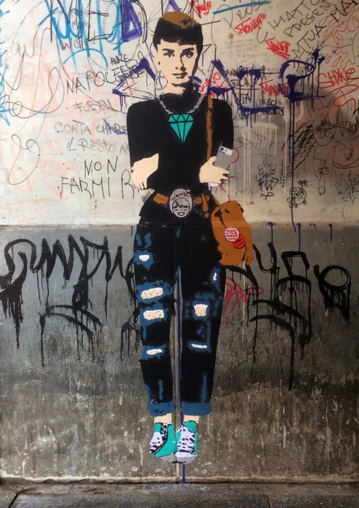 IMG_2614-724x1024 TVBoy - Street Art - Petons al mig del carrer