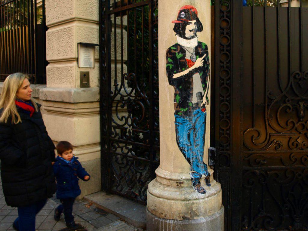e-diego-velazquez-graffiti-artist-1024x768 TVBoy - Street Art - Petons al mig del carrer