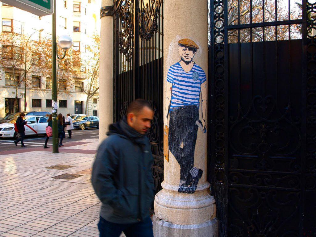 hipster-pablo-picasso-1024x768 TVBoy - Street Art - Petons al mig del carrer