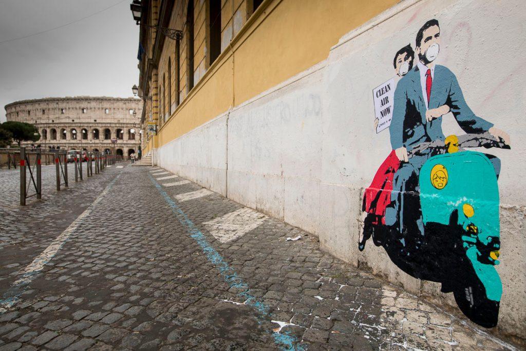 image011-1024x683 TVBoy - Street Art - Petons al mig del carrer