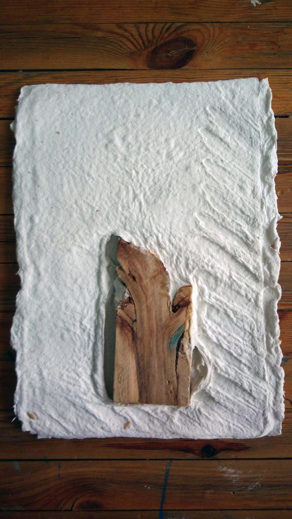 artxtu-olgaserral6-576x1024 Olga Serral - Els papers de l'Olga